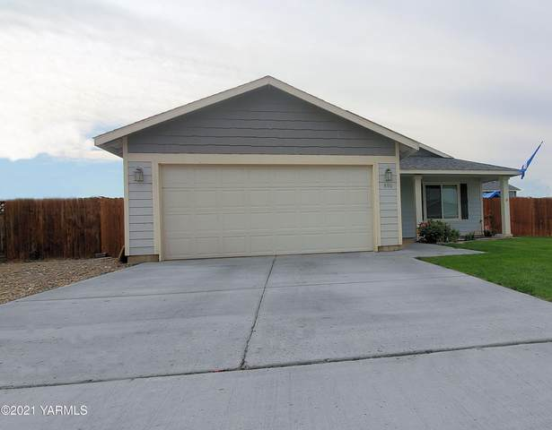 806 Columbus Ave, Moxee, WA 98936 (MLS #21-2451) :: Heritage Moultray Real Estate Services