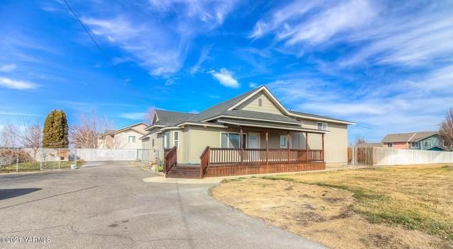 51 Pleasant Ave, Grandview, WA 98930 (MLS #21-340) :: Candy Lea Stump | Keller Williams Yakima Valley