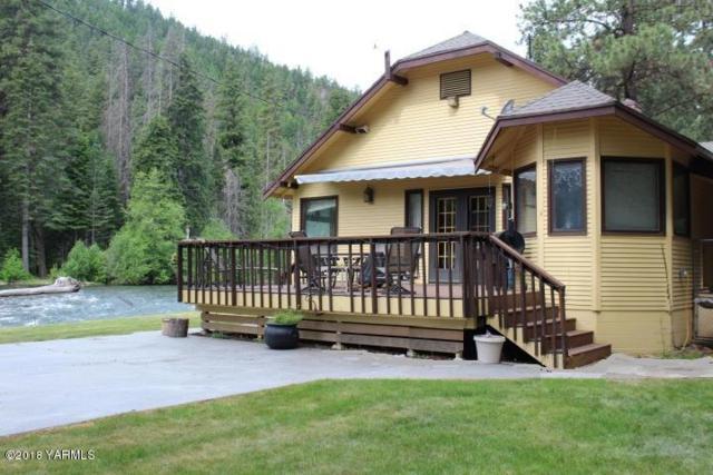 20980 Wa-410, Naches, WA 98937 (MLS #18-211) :: Heritage Moultray Real Estate Services