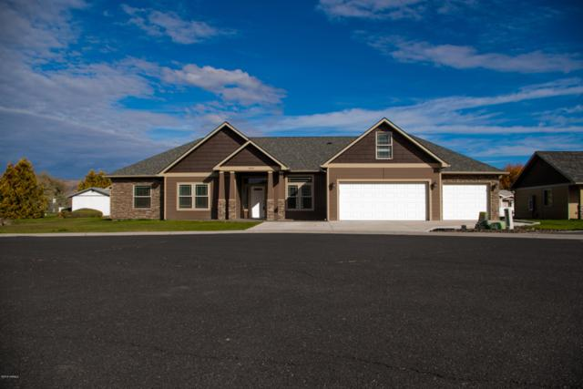 3605 Royale Ct, Yakima, WA 98901 (MLS #18-2529) :: Heritage Moultray Real Estate Services
