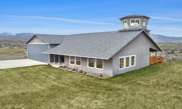 811 Runway Ln, Yakima, WA 98908 (MLS #19-570) :: Joanne Melton Real Estate Team