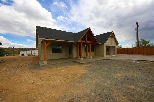 487 Elliot Rd, Cowiche, WA 98923 (MLS #20-997) :: Joanne Melton Real Estate Team