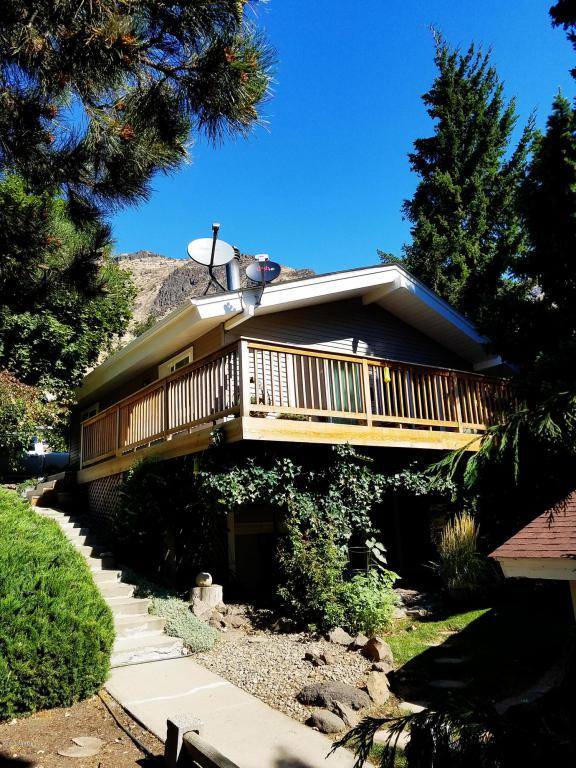 14171 Old Naches Hwy, Naches, WA 98937 (MLS #17-2046) :: Heritage Moultray Real Estate Services