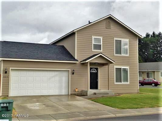 621 Arteaga Cir, Grandview, WA 98930 (MLS #17-2397) :: Heritage Moultray Real Estate Services