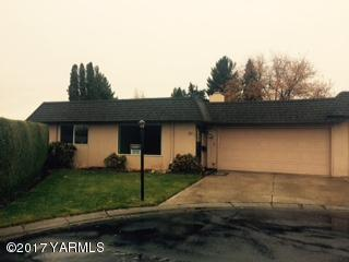 100 N 60th Ave, Yakima, WA 98908 (MLS #17-2870) :: Heritage Moultray Real Estate Services