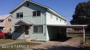 611 N 7th St, Yakima, WA 98901 (MLS #18-1008) :: Heritage Moultray Real Estate Services