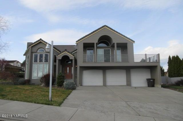 3 N 78th Ave, Yakima, WA 98936 (MLS #18-1013) :: Heritage Moultray Real Estate Services
