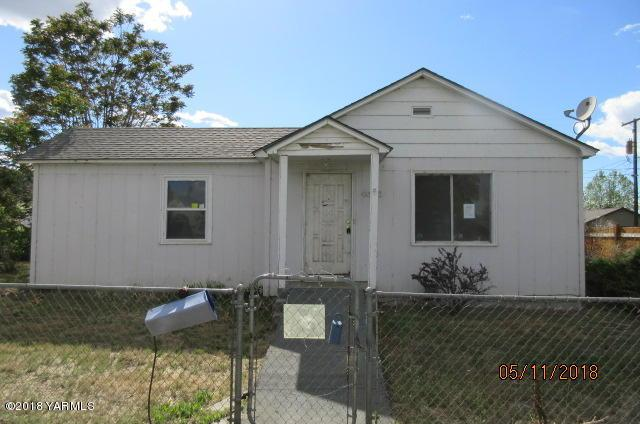 4008 S 2nd St, Union Gap, WA 98903 (MLS #18-1154) :: Results Realty Group