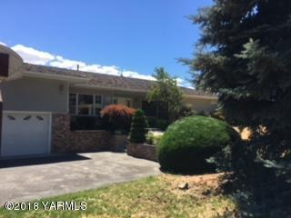 304 N 76th Ave, Yakima, WA 98908 (MLS #18-1684) :: Heritage Moultray Real Estate Services