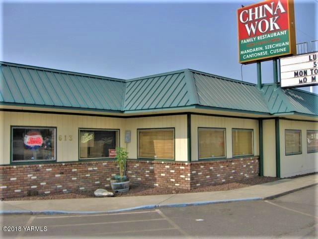 613 Yakima Valley Hwy, Sunnyside, WA 98944 (MLS #18-2066) :: Heritage Moultray Real Estate Services