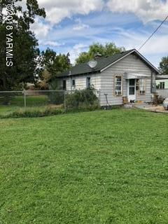 1212 S 12th Ave, Yakima, WA 98902 (MLS #18-2295) :: Heritage Moultray Real Estate Services
