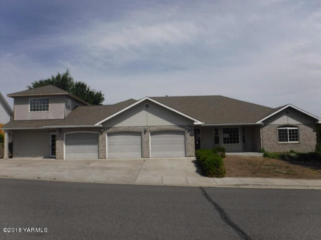 105 N 87th Ave, Yakima, WA 98908 (MLS #18-2371) :: Results Realty Group