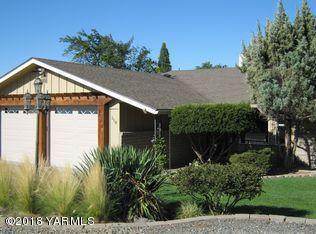 110 Panorama Dr, Yakima, WA 98901 (MLS #18-2428) :: Results Realty Group