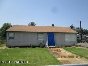 70 Blue Spruce Ln, Naches, WA 98937 (MLS #18-2675) :: Heritage Moultray Real Estate Services
