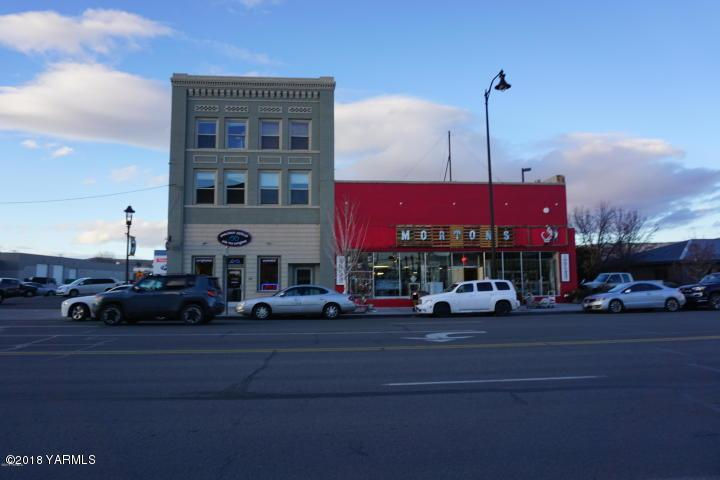 315 Yakima Ave - Photo 1