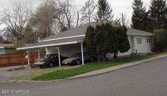 2902 W Arlington St, Yakima, WA 98902 (MLS #18-2778) :: Heritage Moultray Real Estate Services