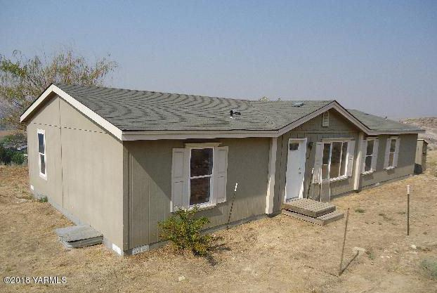355 Sage Trail Rd, Yakima, WA 98901 (MLS #18-2949) :: Heritage Moultray Real Estate Services