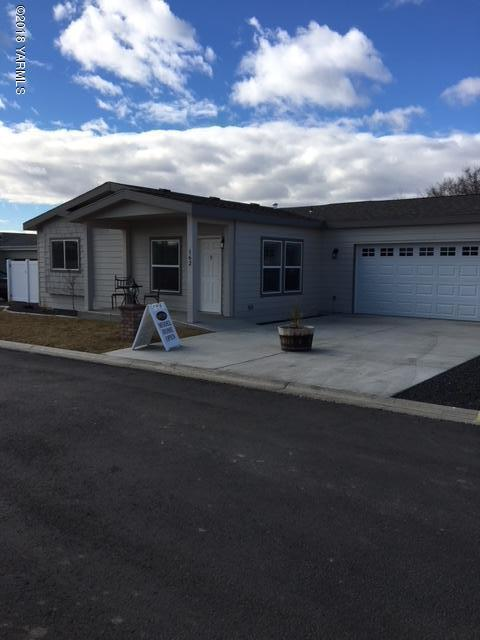 200 Bridle Way #162, Yakima, WA 98901 (MLS #18-313) :: Heritage Moultray Real Estate Services