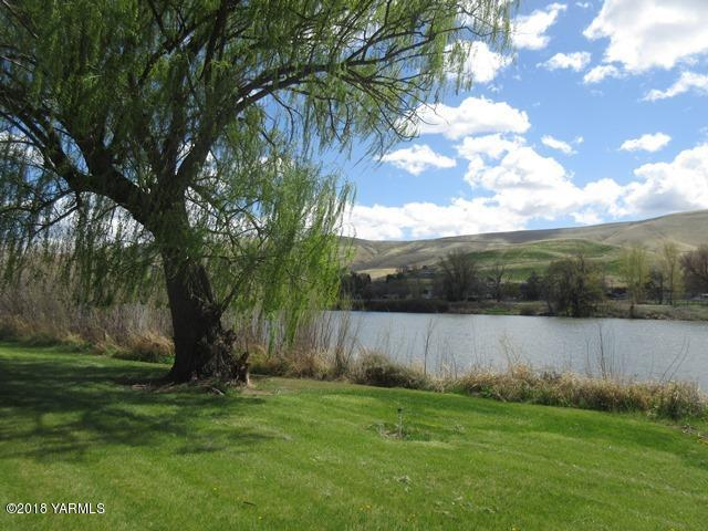 141501 W North River Rd, Prosser, WA 99350 (MLS #18-863) :: Results Realty Group