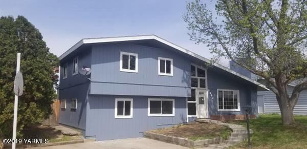 3207 Gregory Ave, Yakima, WA 98902 (MLS #19-1142) :: Results Realty Group