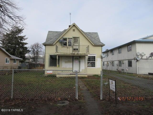 1205 Swan Ave, Yakima, WA 98902 (MLS #19-120) :: Heritage Moultray Real Estate Services