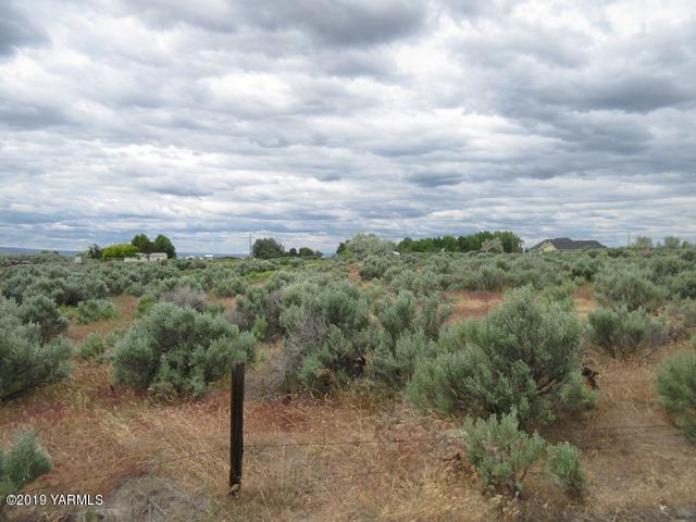 NNA S Giffin Rd, Prosser, WA 99350 (MLS #19-1211) :: Heritage Moultray Real Estate Services