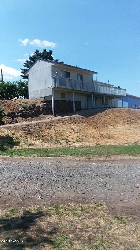 1641 S Naches Rd, Yakima, WA 98908 (MLS #19-1897) :: Joanne Melton Real Estate Team