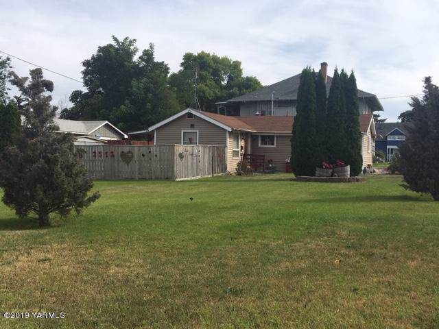 2512 Tieton Dr, Yakima, WA 98902 (MLS #19-2151) :: Heritage Moultray Real Estate Services