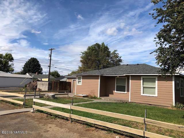 103 W California St, Union Gap, WA 98903 (MLS #19-2286) :: Heritage Moultray Real Estate Services
