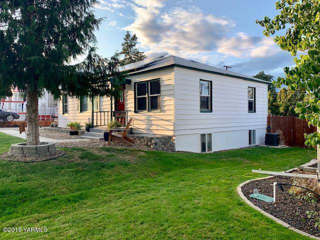 3307 Jefferson Ave, Yakima, WA 98902 (MLS #19-2348) :: Heritage Moultray Real Estate Services