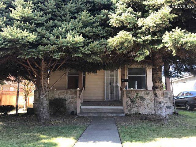 806 11th Ave - Photo 1