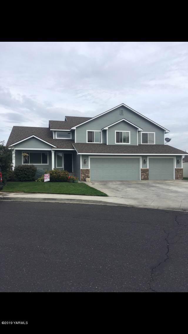 7301 W Washington Ave, Yakima, WA 98908 (MLS #19-2584) :: Joanne Melton Real Estate Team
