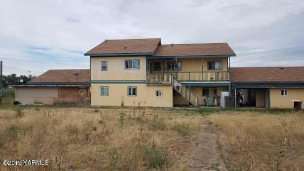 60 S Wapato Rd, Wapato, WA 98951 (MLS #19-2761) :: Joanne Melton Real Estate Team