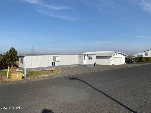 7030 Lacona St, Othello, WA 99344 (MLS #19-2787) :: Heritage Moultray Real Estate Services