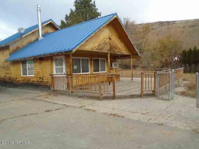 161 W Tampico Park Rd, Yakima, WA 98903 (MLS #19-2885) :: Heritage Moultray Real Estate Services