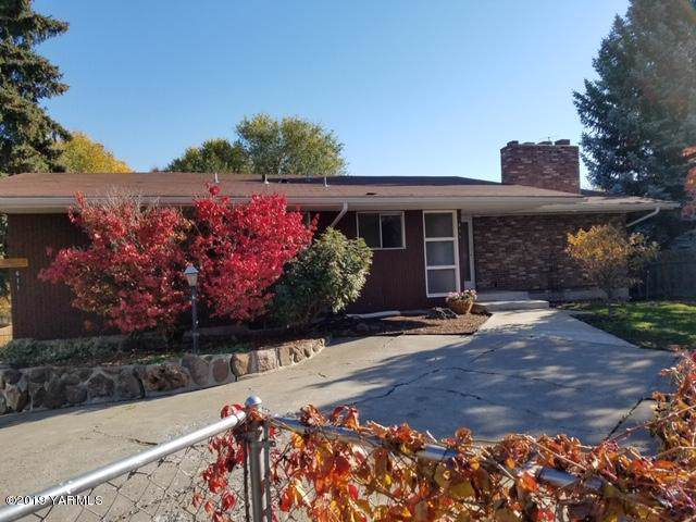 611 S 22nd Ave, Yakima, WA 98902 (MLS #19-2940) :: Joanne Melton Real Estate Team