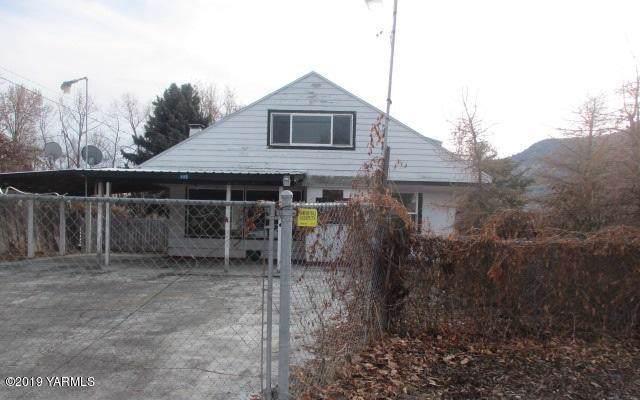 680 Pence Rd, Yakima, WA 98908 (MLS #19-2977) :: Joanne Melton Real Estate Team