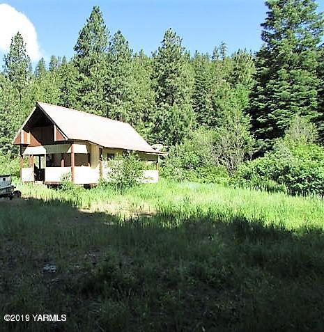 3415 N Fork Rd, Yakima, WA 98903 (MLS #19-449) :: Heritage Moultray Real Estate Services