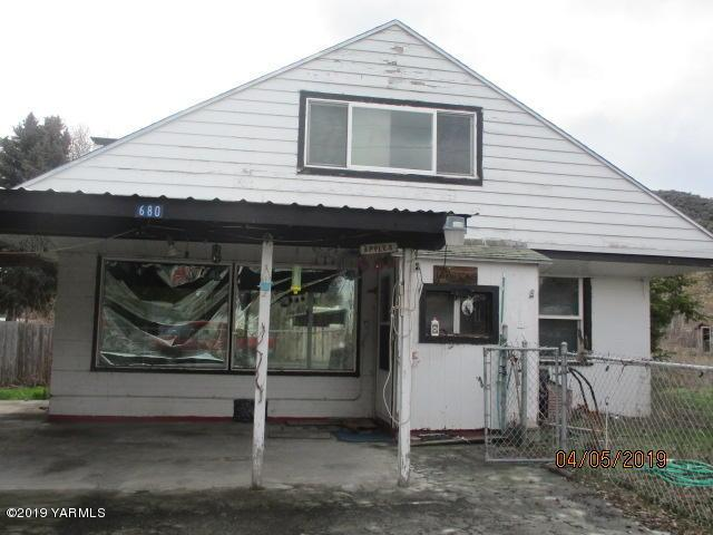680 Pence Rd, Yakima, WA 98908 (MLS #19-804) :: Heritage Moultray Real Estate Services