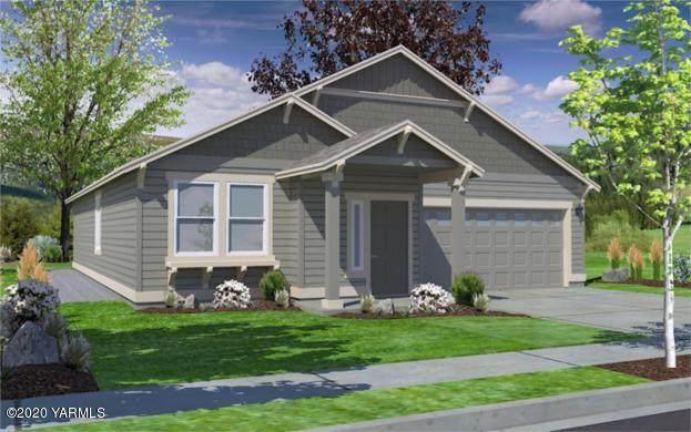 2202 S 61st Ave, Yakima, WA 98903 (MLS #20-1242) :: Joanne Melton Real Estate Team