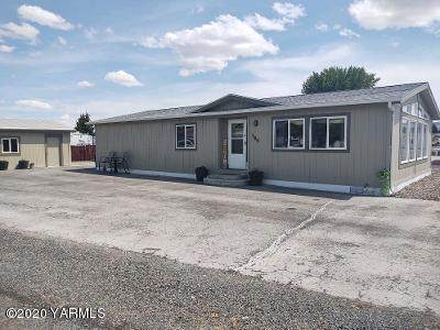 1729 S 68th Ave, Yakima, WA 98908 (MLS #20-1304) :: Joanne Melton Real Estate Team