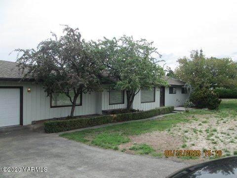 6016 W Lincoln Ave, Yakima, WA 98908 (MLS #20-1372) :: Joanne Melton Real Estate Team