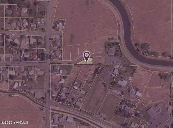 NNA Oster Dr, Yakima, WA 98901 (MLS #20-1485) :: Joanne Melton Real Estate Team