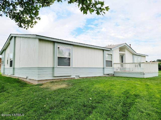 494 Pomona Rd, Yakima, WA 98901 (MLS #20-2090) :: Heritage Moultray Real Estate Services