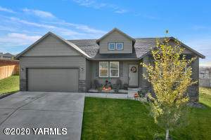 5304 Blackstone Ct, Yakima, WA 98901 (MLS #20-2103) :: Heritage Moultray Real Estate Services