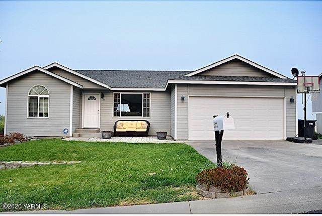 103 Highland Ct, Selah, WA 98942 (MLS #20-2129) :: Amy Maib - Yakima's Rescue Realtor