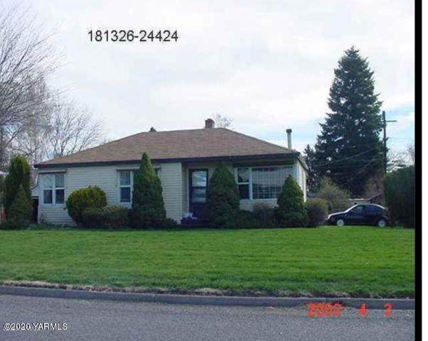 923 26th Ave - Photo 1