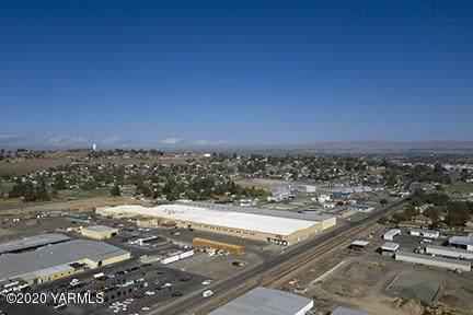 1525 S 4th St, Sunnyside, WA 98944 (MLS #20-2310) :: Joanne Melton Real Estate Team