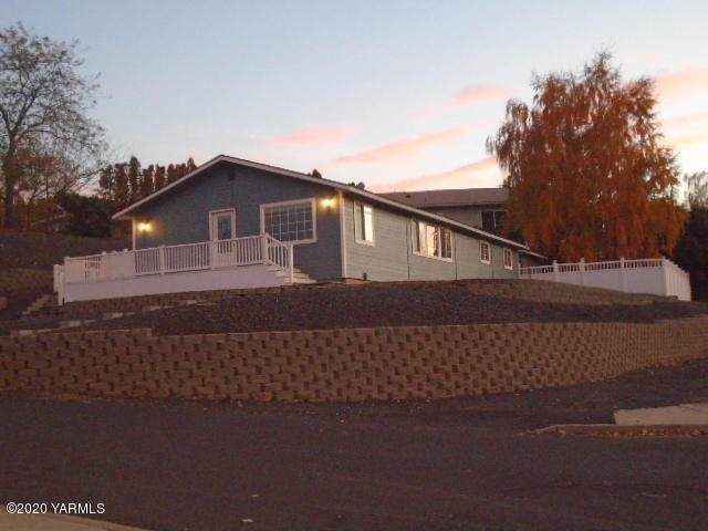 311 Anchor Lp, Selah, WA 98942 (MLS #20-2445) :: Heritage Moultray Real Estate Services