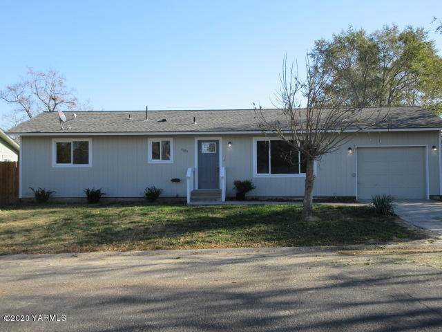 1109 Apache Dr, Grandview, WA 98930 (MLS #20-2480) :: Heritage Moultray Real Estate Services